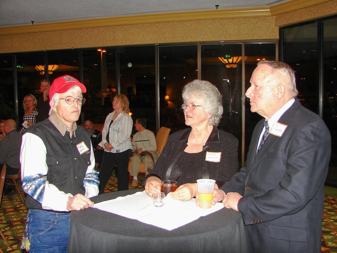 Monty Harris talks with Mr and Mrs Bill Hendren