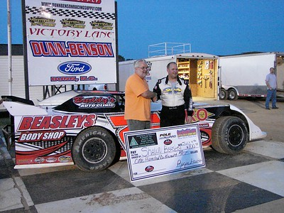 Shawn Beasley was fast qualifier at Fayetteville Speedway