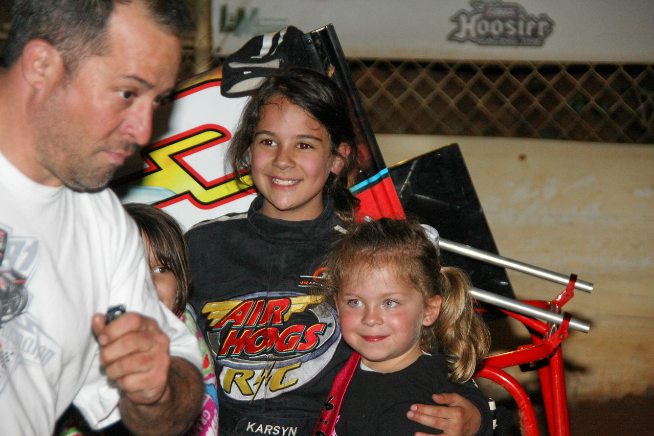 Daddy Jimmy Elledge and Karsyn in victory lane