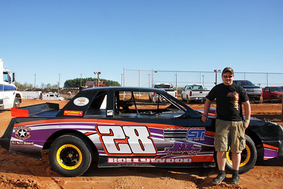 Hollywood  #28 Taylor Puckett crate sportsman