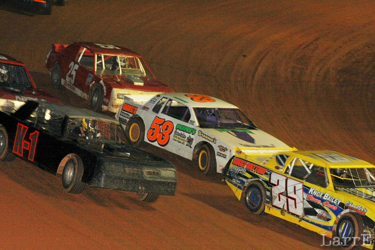 Freddie Kersey will get 9th and 39 Travis Payne will win the Crate sportsman race