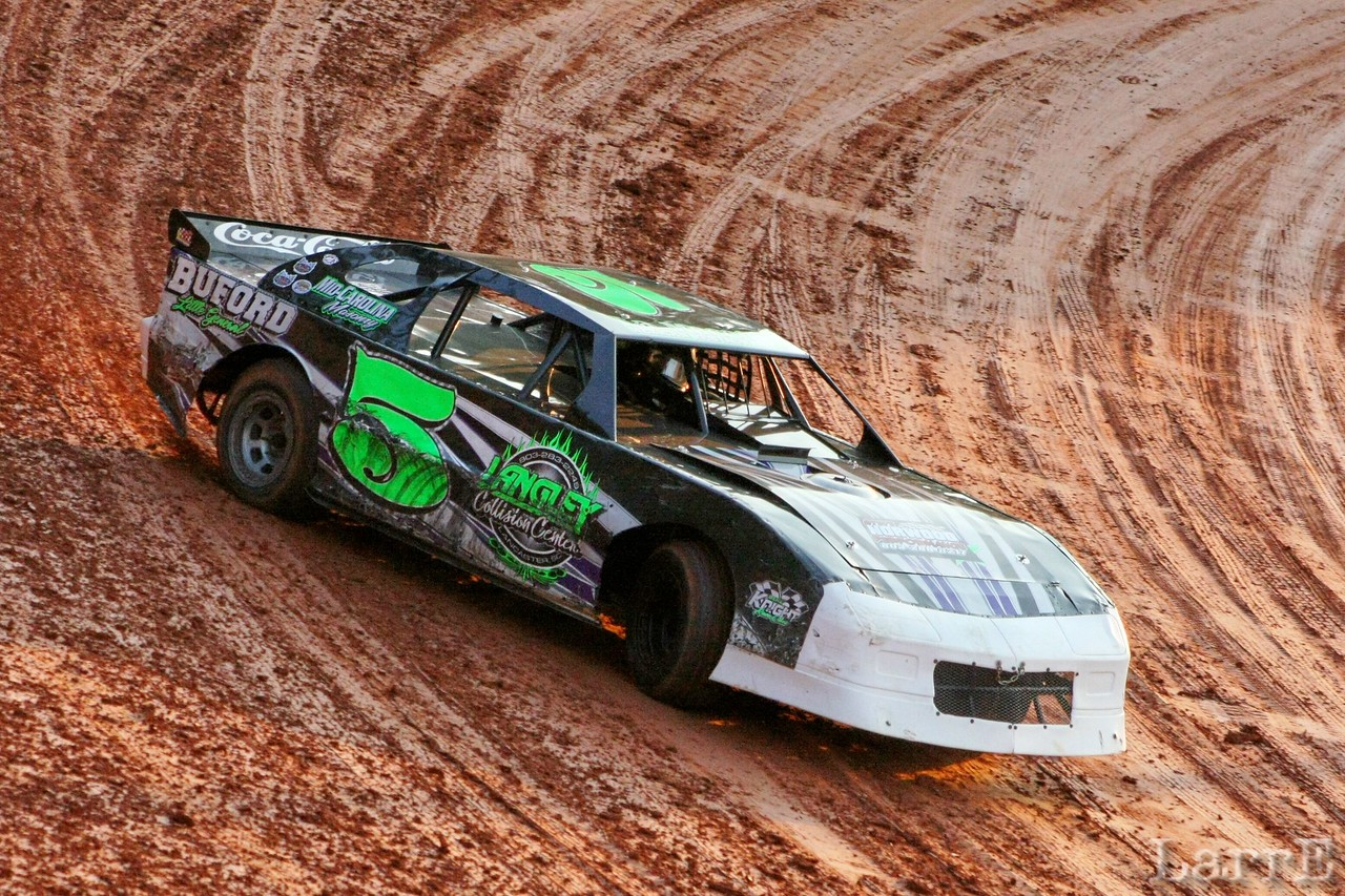 TIMBO Mangum won the Super Street race. Now THAT was a GREAT race!