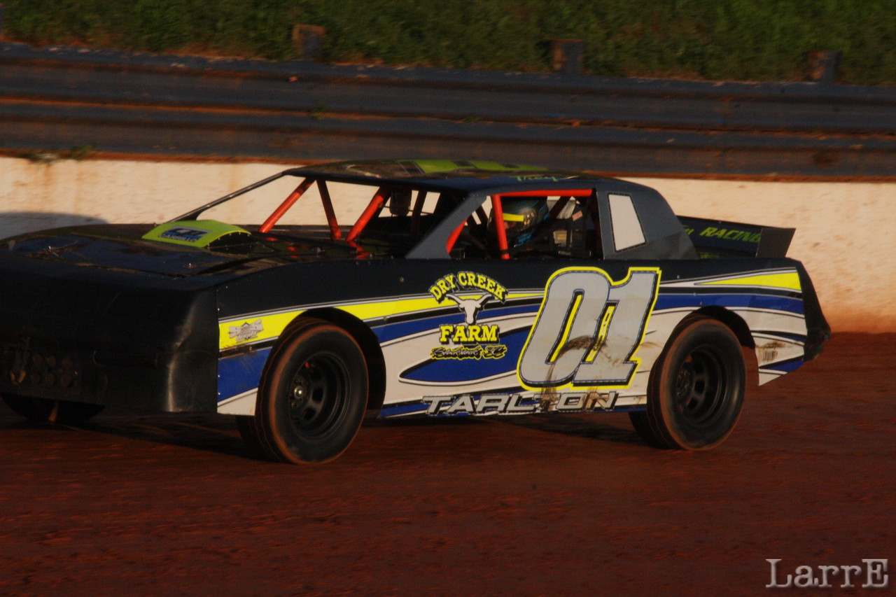 Trey Tarlton on his way to the Crate Sportsman win.