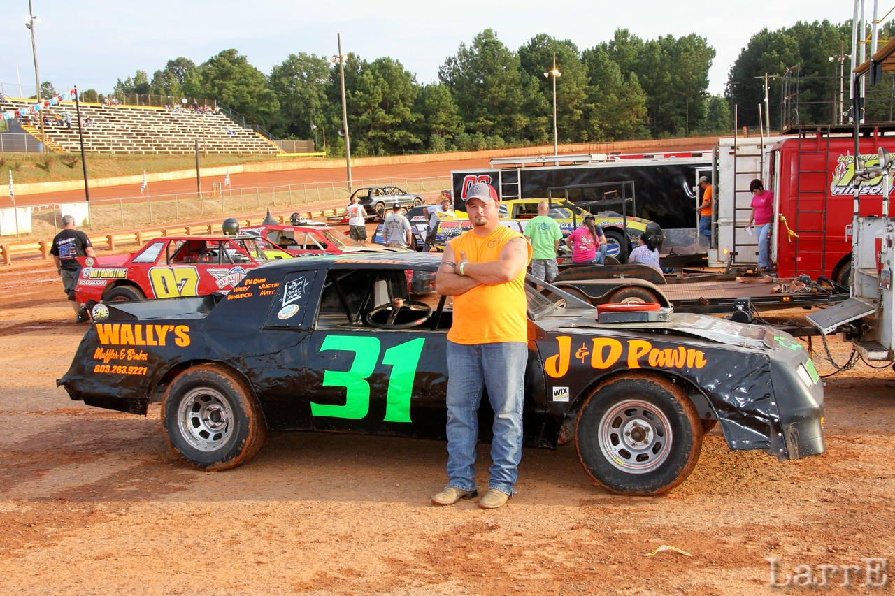Gregory drives the #31 Crate-sportsman car