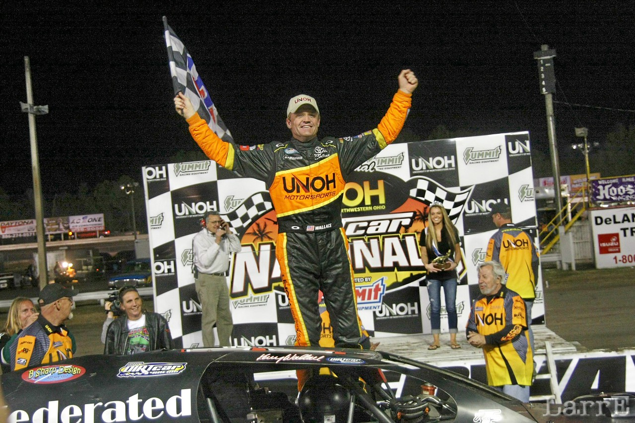 Ssunday nights modified winner...Kenny Wallace (his third win of the week)