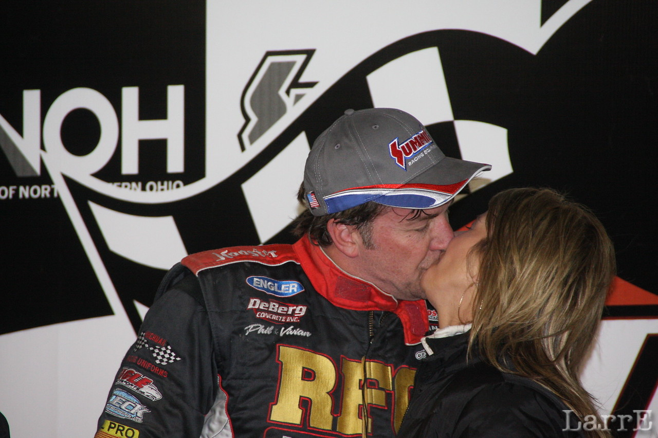 this wasn't the only kiss Terry gave out in Victory Lane