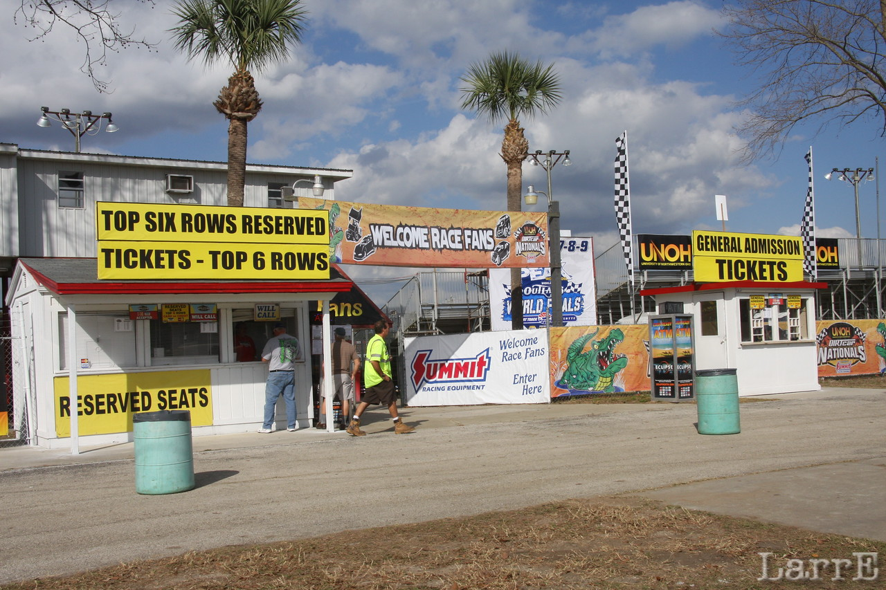 Welcome to Volusia Speedway<br /> <br /> note: this file was Tuesday's preliminary race..........Wednesday AND Thursday (13th & 14th) have been rained out.