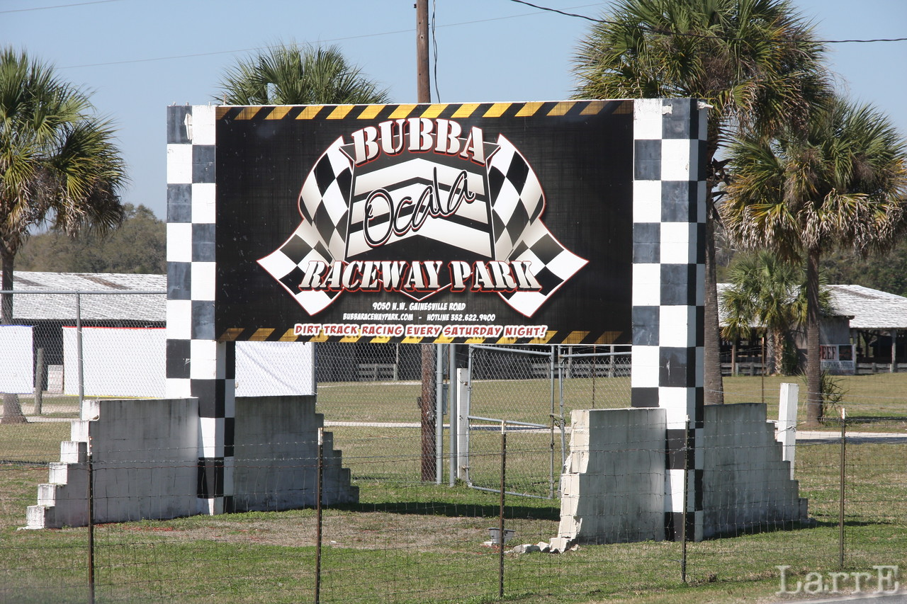 Here I'd like to say something nice about Bubba's Speedway in Ocala Florida.................................