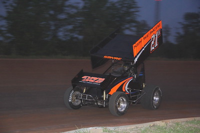 Greg Snyre in the Tony Ave Racing Sprinter