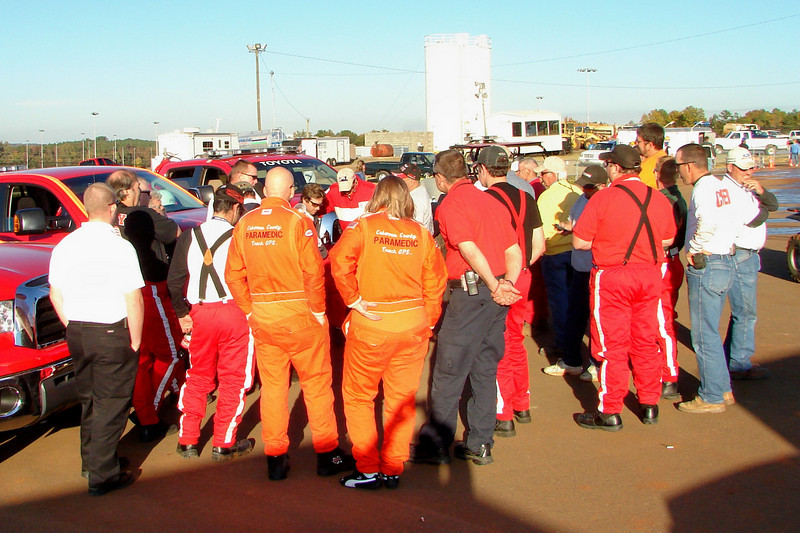 Lowes saftey crew meeting