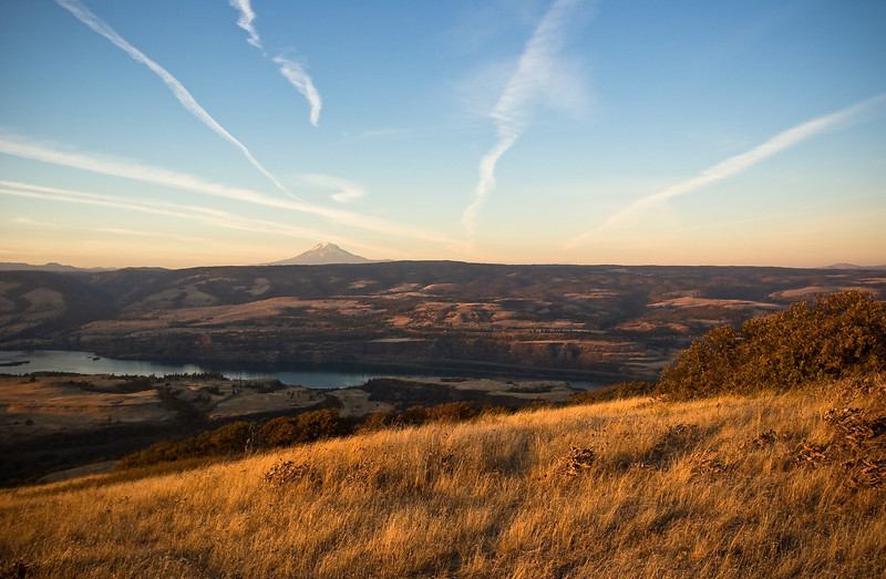 The Gorge with contrails.