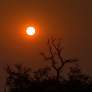 """Sunrise, Lever de soleil - Location 18°10'50"""" S 23°27'11"""" E"""