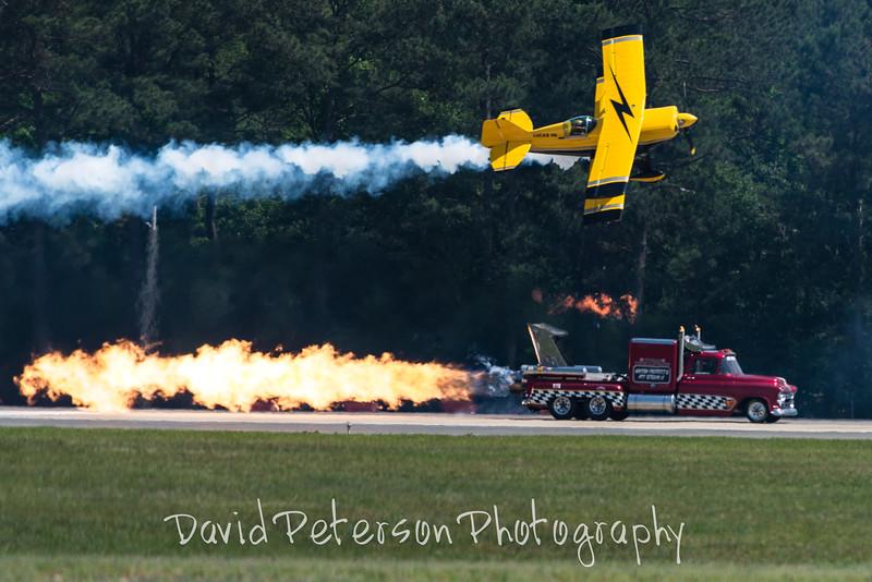 Plane - Jet Truck Race