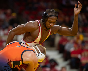 Scene from NCAA wrestling meet between Bucknell and Iowa State at Hilton Coliseum in Ames, Iowa on November 17, 2019. Photo © Wesley Winterink.