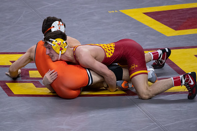 Image from Oklahoma State - Iowa State wrestling meet at Hilton Coliseum in Ames, Iowa on January 30, 2021. Photo © Wesley Winterink.