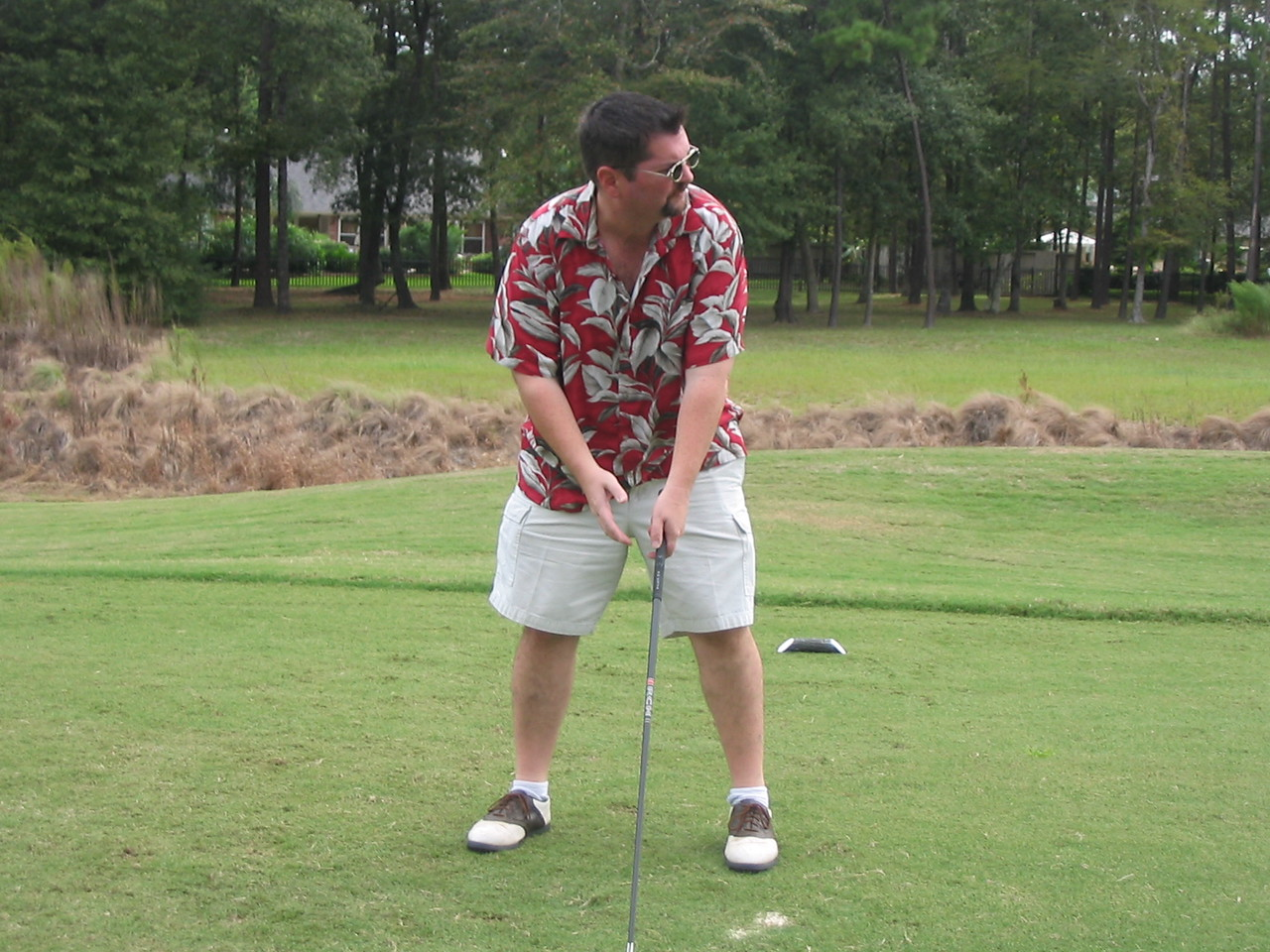 RB aligning his tee shot