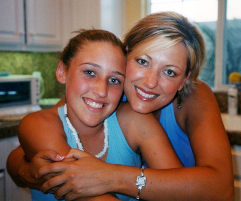 Lori Susi and daughter, Jessica