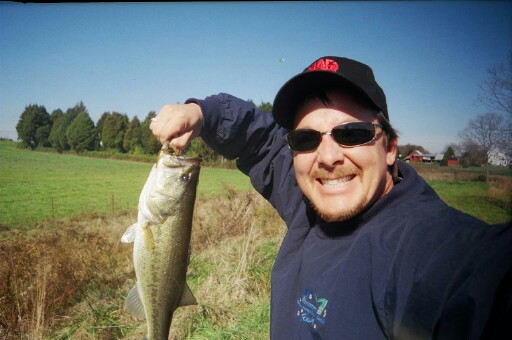 David Kranz with his Large Mouth Bass catch - Nov 2003