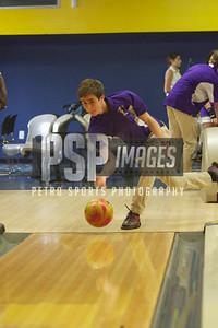 091013_WSHS_Bowling_Team_1070