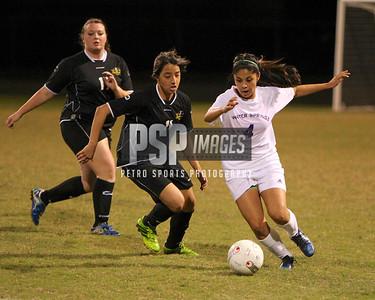 121313 Girls Varsity Soccer1079