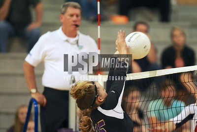 091813_Lake Mary_at_WSHS_Girls_ Volleyball_1717seqn}