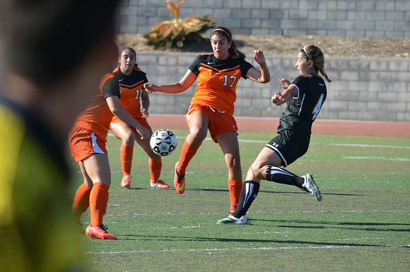 2014-08-30-VC_WSoc_vs_Evergreen-Valley