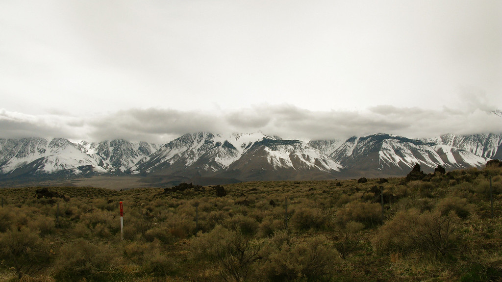 the mountains from the 395