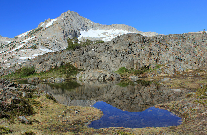 We go in search of a peaklet and encounter many lakes and tarns along the way.