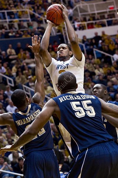"<a href=""http://photos.wvu.edu/2010-Photos/February-2010/26595-Mens-Basketball-vs-Pitt/11133623_y67WS#786169186_oaRR6"">http://photos.wvu.edu/2010-Photos/February-2010/26595-Mens-Basketball-vs-Pitt/11133623_y67WS#786169186_oaRR6</a>"
