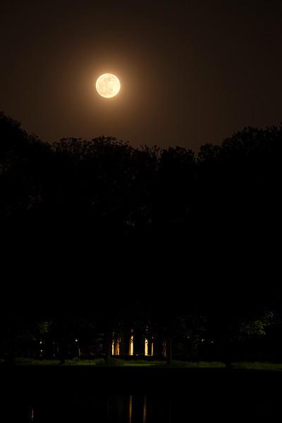 Pink Moon over WWI Memorial