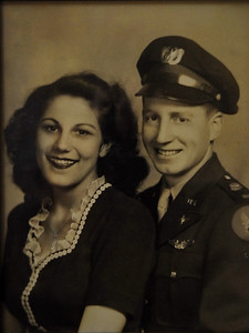 Les and his wife Dorothy shortly after their marriage