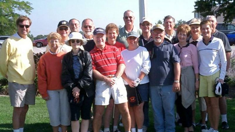 """Everyone smiles for this """"Photo Op"""" to be on the cover of GOLF DIGEST.  (Sorry folks, keep practicing....)<br /> Gene Jeffries, Joyce Zettelind, Larry Madden, Randy Wiese, Cheri Slagell, Doug Springer, Steve Rassi, Diana Scott, Clark Pool, Janie Perkins Potts & Karl, Jim Geltz, Jerry and Jeanne Chaney Cimarosti, Rosie English (btwn them), Diana Romani, and honored guest Larry Stagen"""