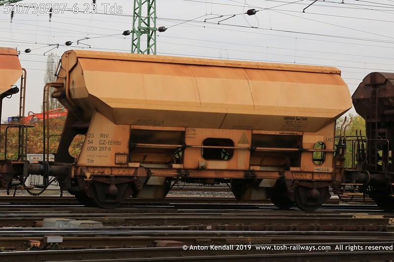 https://photos.smugmug.com/Wagons/54-czech-republic-CD/000-199/i-F6KqMVb/0/b5f2aba8/L/540730207-6%2023%20Tds-L.jpg