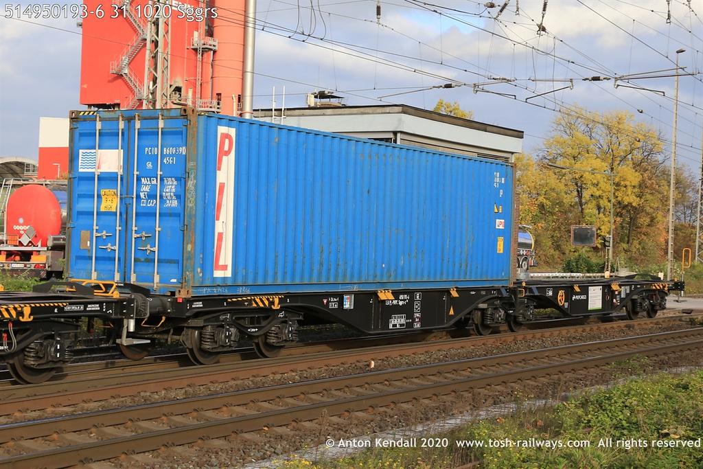 https://photos.smugmug.com/Wagons/Country/51-poland-pkp/300-499/i-p9snPNL/0/af6485a3/XL/514950193-6%2031%201020%20Sggrs-XL.jpg