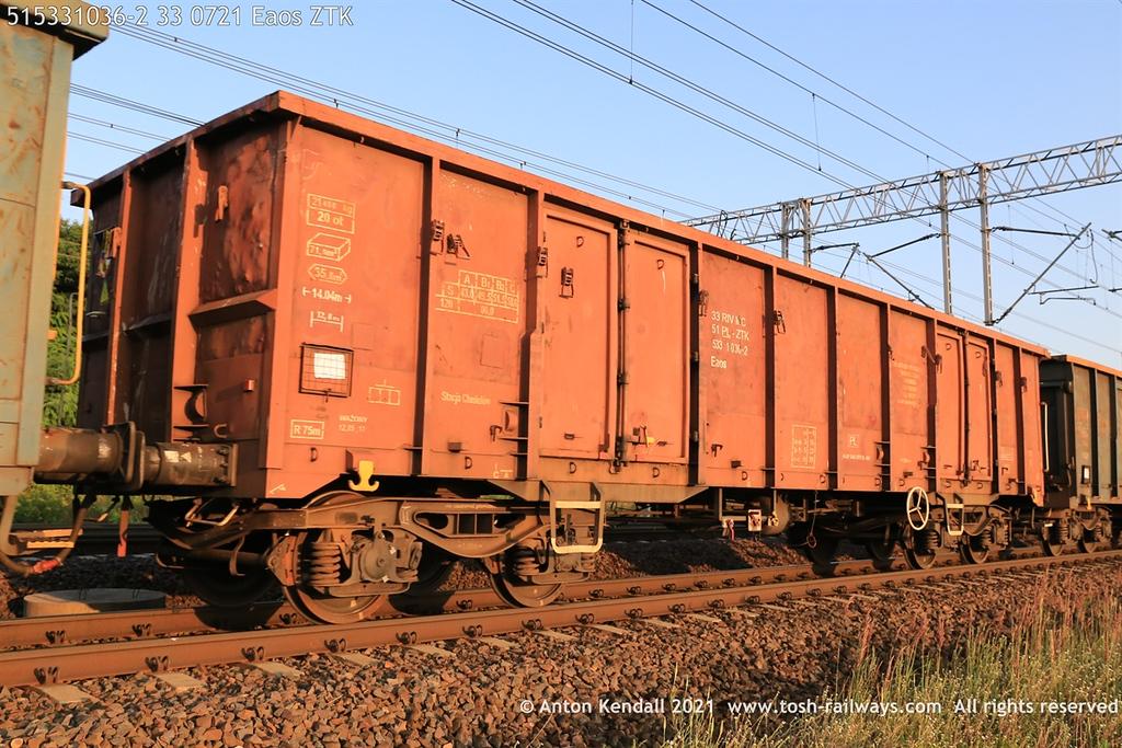 https://photos.smugmug.com/Wagons/Country/51-poland-pkp/Eaos/i-QCGGf2B/0/792f1553/XL/515331036-2%2033%200721%20Eaos%20ZTK-XL.jpg