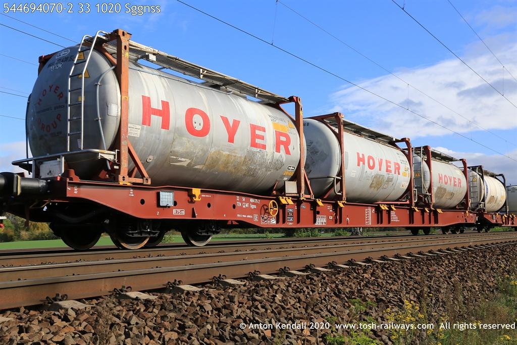 https://photos.smugmug.com/Wagons/Country/54-czech-republic-CD/400-499/i-ShJmxC2/0/19fd2d73/XL/544694070-2%2033%201020%20Sggnss-XL.jpg