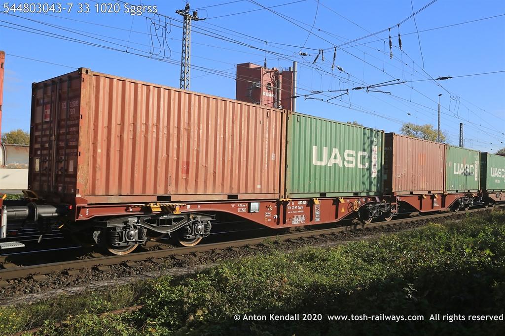 https://photos.smugmug.com/Wagons/Country/54-czech-republic-CD/400-499/i-bFdDcb8/0/43a27ac4/XL/544803043-7%2033%201020%20Sggrss-XL.jpg