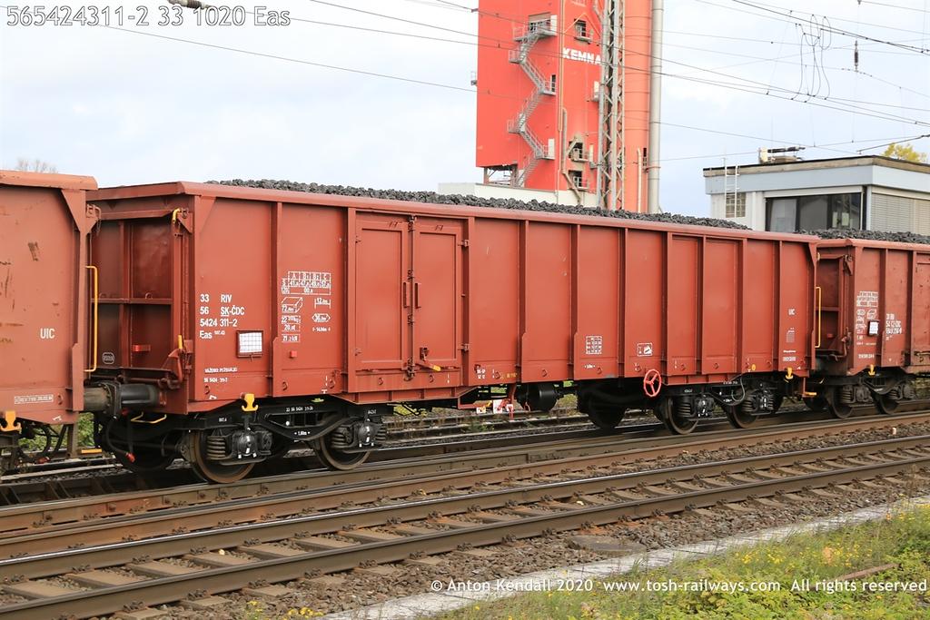 https://photos.smugmug.com/Wagons/Country/56-slovakia-ZSSK/Eanos-Eas-Eacs/i-H6BWpdF/0/95a46584/XL/565424311-2%2033%201020%20Eas-XL.jpg
