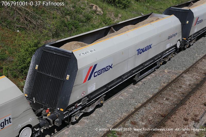 https://photos.smugmug.com/Wagons/Country/70-great-britain/Hopper/i-FLNqShF/0/ff44c03e/L/706791001-0%2037%20Fafnooss-L.jpg