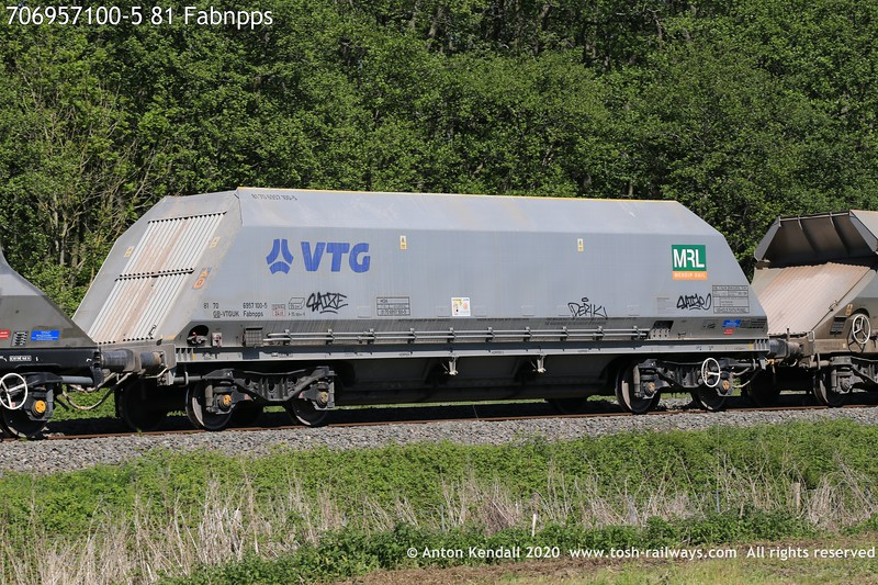 https://photos.smugmug.com/Wagons/Country/70-great-britain/Hopper/i-Th6nSxc/0/ac788c0c/L/706957100-5%2081%20Fabnpps-L.jpg