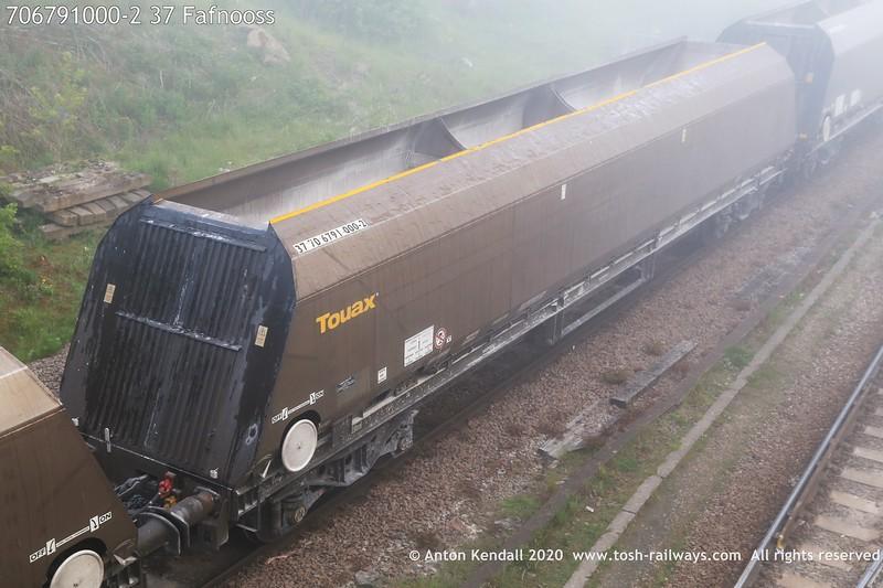 https://photos.smugmug.com/Wagons/Country/70-great-britain/Hopper/i-WV5qRJm/0/143f2e69/L/706791000-2%2037%20Fafnooss-L.jpg