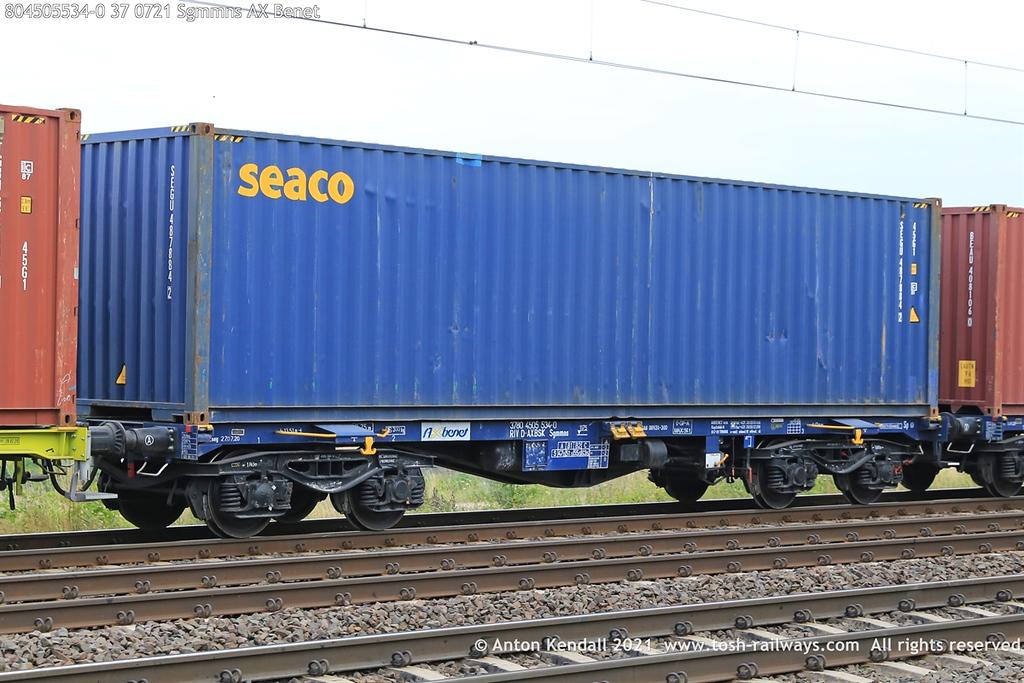 https://photos.smugmug.com/Wagons/Country/80-db-germany/400-499/450-454/i-2GHmpgx/0/4de5deb8/XL/804505534-0%2037%200721%20Sgmmns%20AX%20Benet-XL.jpg