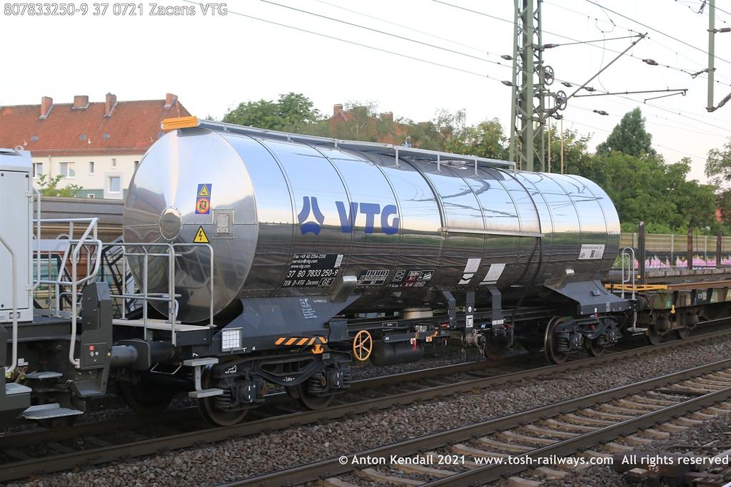 https://photos.smugmug.com/Wagons/Country/80-db-germany/750-799/7817-7834-37/i-NZwTgTq/0/23cc4660/XL/807833250-9%2037%200721%20Zacens%20VTG-XL.jpg