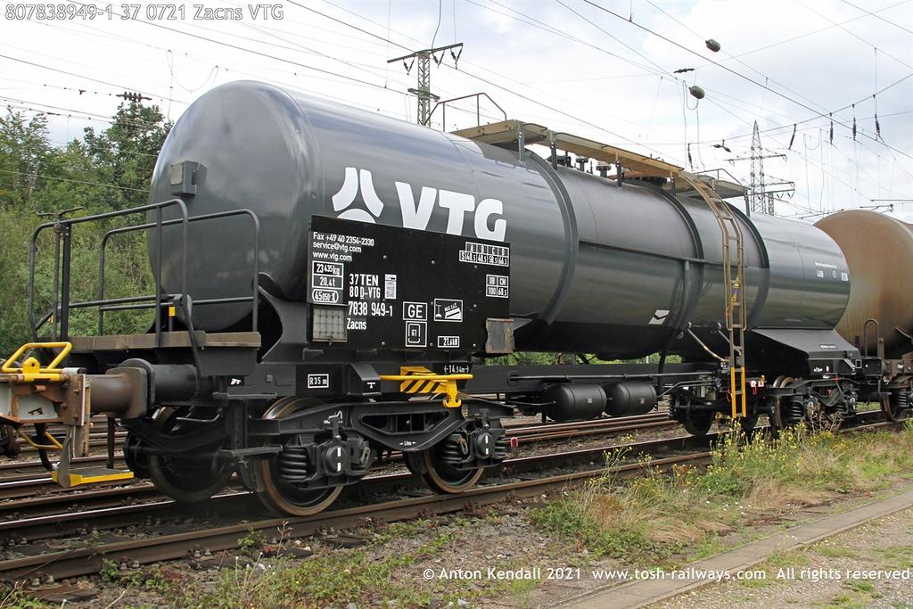 https://photos.smugmug.com/Wagons/Country/80-db-germany/750-799/7836-7837-37/i-N5CDNXD/0/7dea237e/XL/807838949-1%2037%200721%20Zacns%20VTG-XL.jpg