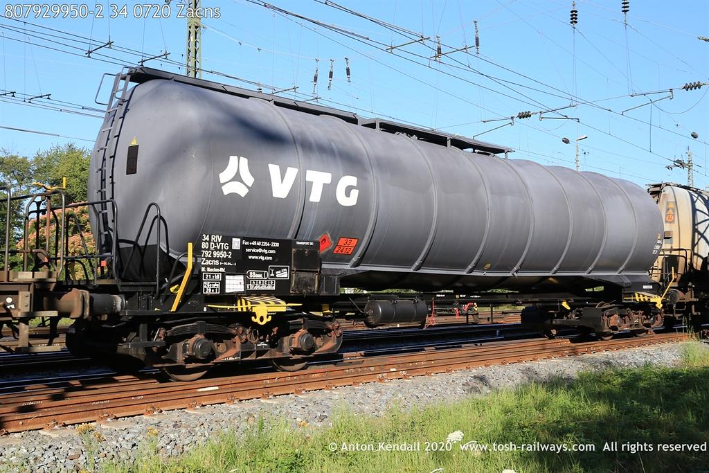 https://photos.smugmug.com/Wagons/Country/80-db-germany/750-799/7924-7929/i-q2svMmt/0/ec097405/XL/807929950-2%2034%200720%20Zacns-XL.jpg