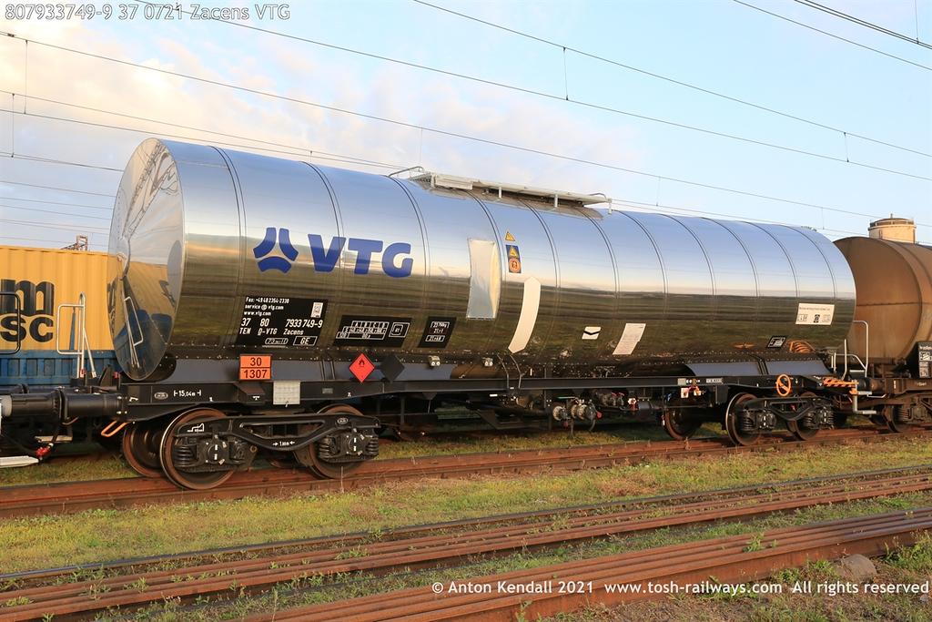 https://photos.smugmug.com/Wagons/Country/80-db-germany/750-799/7933-7935-37/i-9zvJg7Z/0/5a052c1d/XL/807933749-9%2037%200721%20Zacens%20VTG-XL.jpg