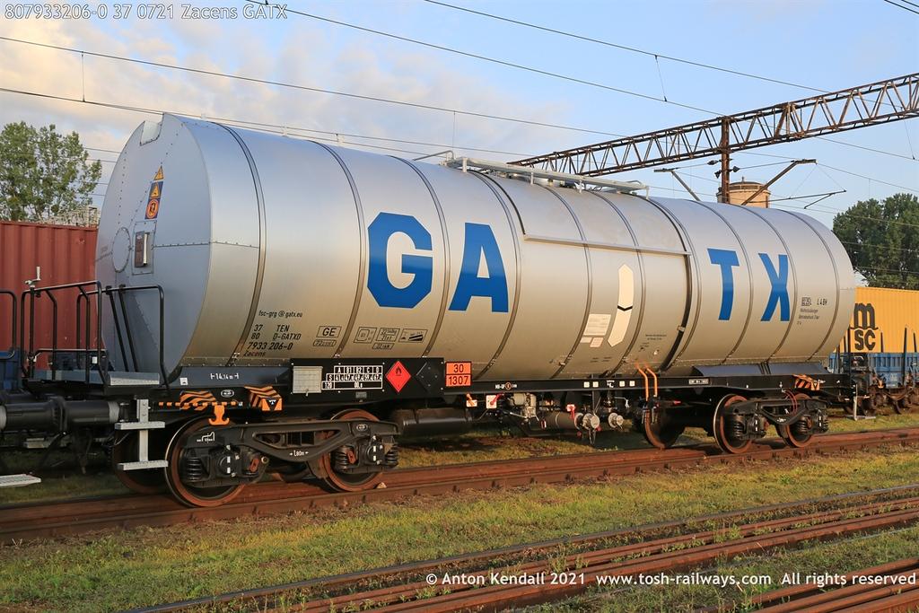 https://photos.smugmug.com/Wagons/Country/80-db-germany/750-799/7933-7935-37/i-CDDJVTw/0/07122252/XL/807933206-0%2037%200721%20Zacens%20GATX-XL.jpg