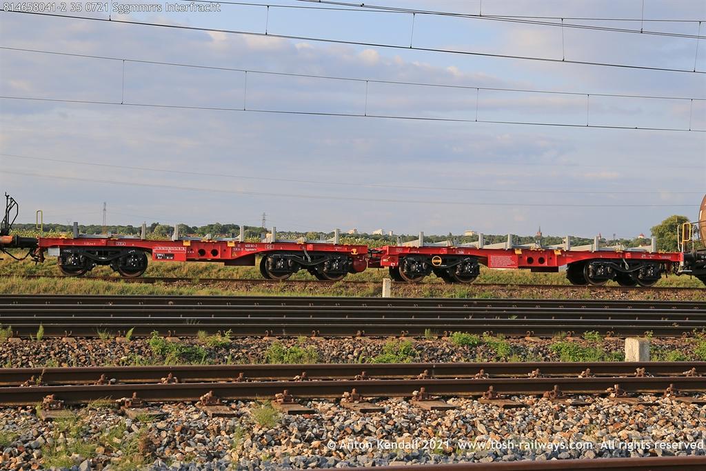 https://photos.smugmug.com/Wagons/Country/81-oebb-austria/450-469/i-NnR7B5j/0/dcad11a6/XL/814658041-2%2035%200721%20Sggmmrrs%20Interfracht-XL.jpg