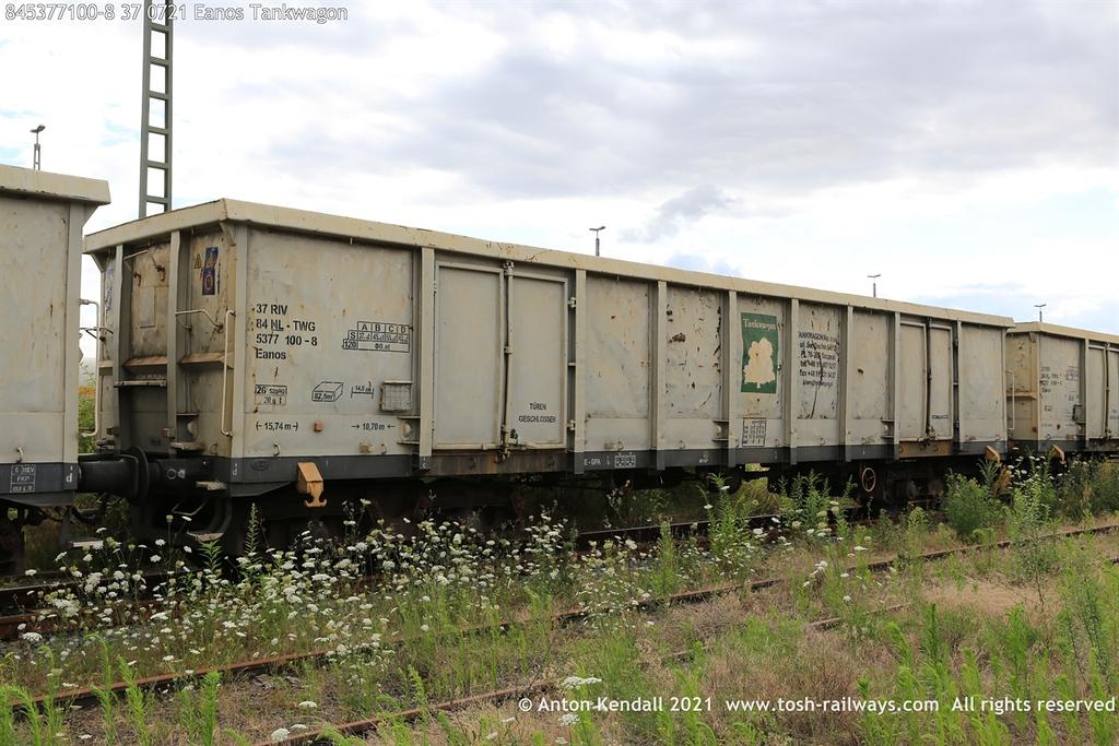 https://photos.smugmug.com/Wagons/Country/84-nl-netherlands/500-699/i-9t9xLVJ/0/3aa692c2/XL/845377100-8%2037%200721%20Eanos%20Tankwagon-XL.jpg