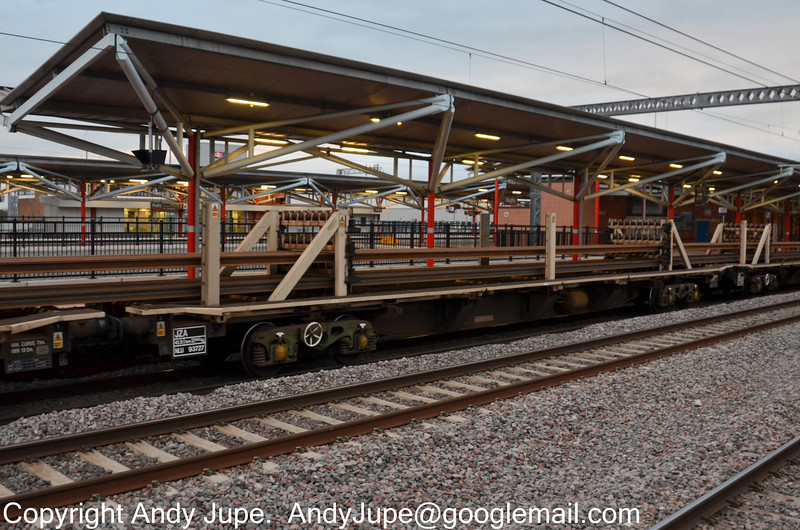 JZA - Bogie Long Welded Rail Flat Wagon - gingespotting
